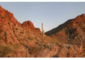 与沙漠背景自然风景的岩石山_15840371