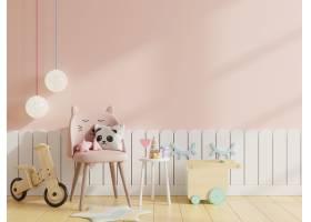 嘲笑墙壁在儿童的房间里有椅子在浅粉红色的_12843872
