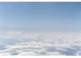 从飞机看见的白色云彩_12109910