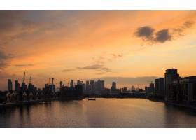 美丽的射击在日落期间的一个惊人的都市风景_16224207