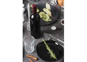 高角度膳食安排用葡萄酒_10020525