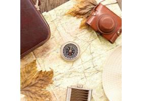 顶视图秋天旅行安排与指南针_9596852