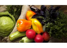 顶视图新鲜秋季蔬菜的各种各样_9851360