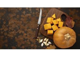 秋天食物整个南瓜和刀子_9905984