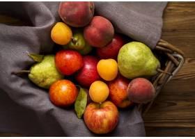 可口秋季果子的安排在篮子的_9851390