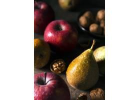 大角度各种秋天的水果和坚果_10298155