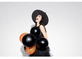 黑帽会议和服装的年轻深色的妇女在白色背景_11530064