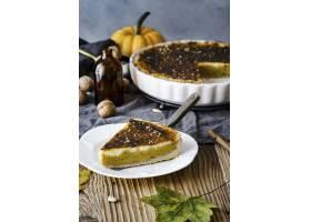 新鲜出炉的南瓜饼美味万圣节甜点_17223190
