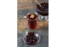 新鲜的自创果酱垂直的照片与茶的_13884668