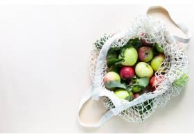 新鲜的苹果在购物袋滤网零废物没有塑料_10327968
