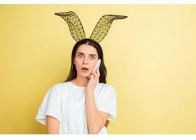 有兔宝宝耳朵的少妇复活节_13058766